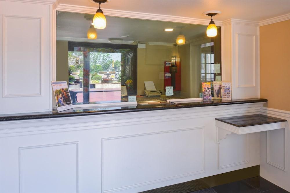 Americas Best Value Laguna Inn U0026 Suites: 2019 Room Prices ...