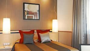 Een minibar, een kluis op de kamer, geluiddichte muren