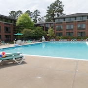 Woodlands Hotel & Suites - A Colonial Williamsburg Hotel