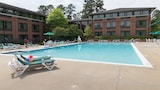 Woodlands Hotel & Suites - A Colonial Williamsburg Hotel - Williamsburg Hotels
