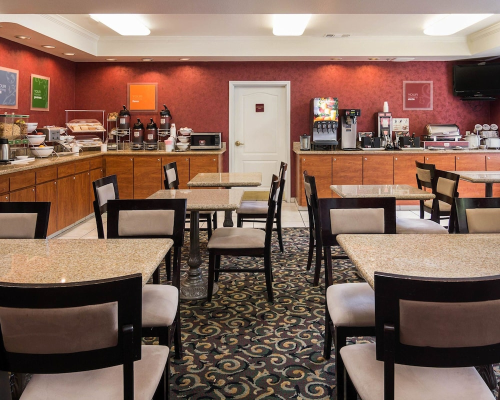 Breakfast Area, Comfort Suites Texarkana