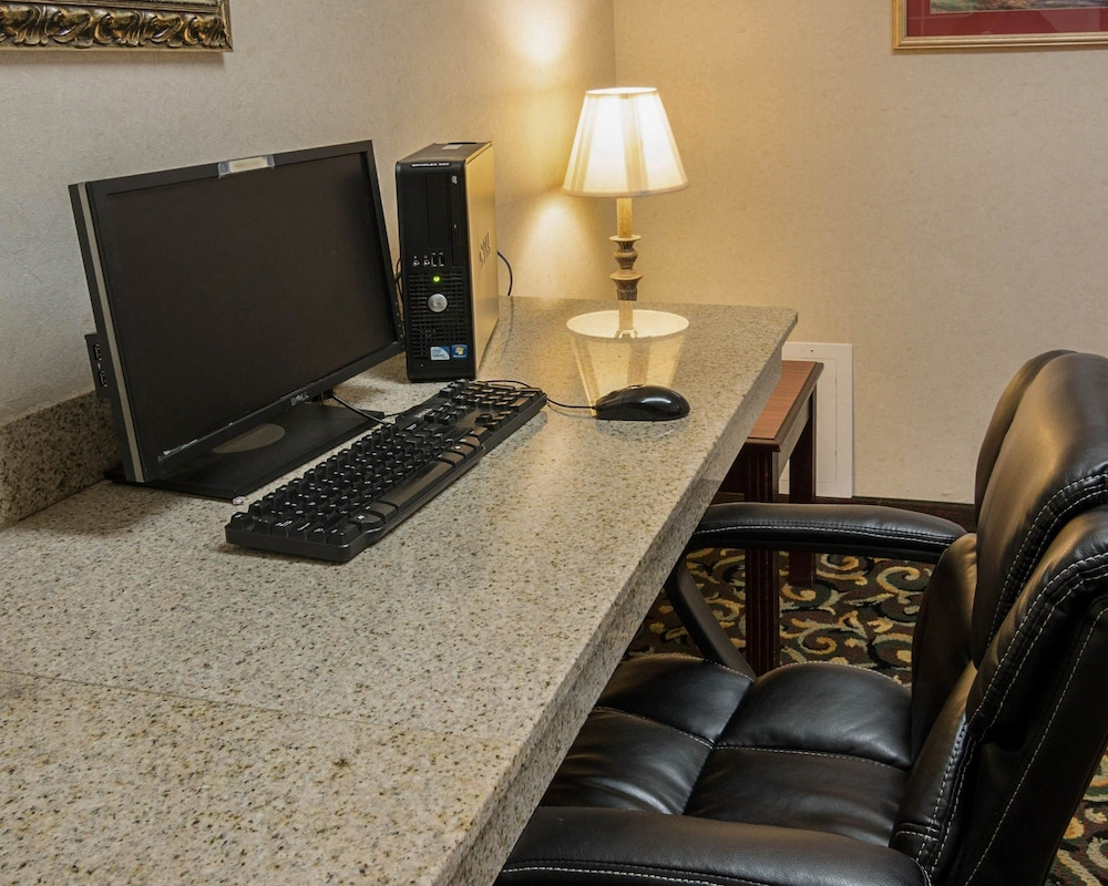 Business Center, Comfort Suites Texarkana