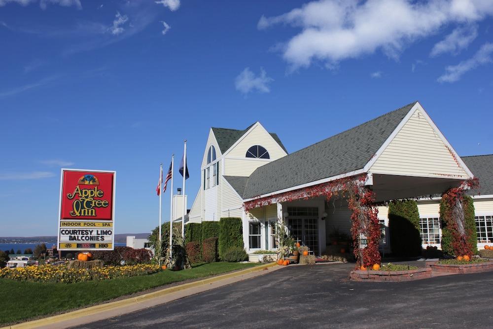 Le Tree Inn In Petoskey Hotel