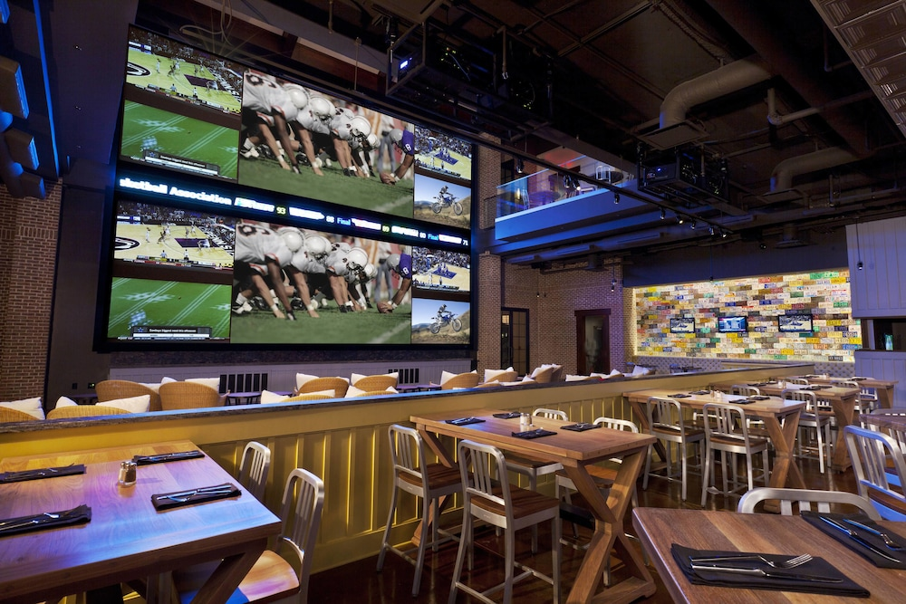 Sports Bar, Gaylord Palms Resort & Convention Center