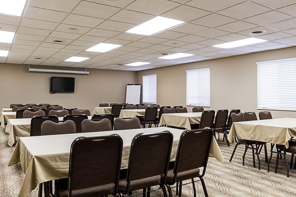 Meeting Facility, Mainstay Suites Fargo