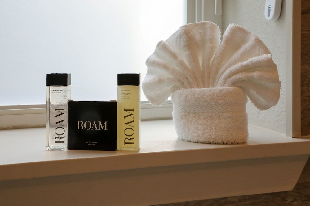 Room Amenity, Almond Tree Inn