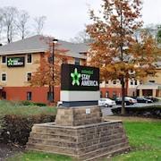 10 Best Hotels Near PNC Bank Art Center, Red Bank - Tinton