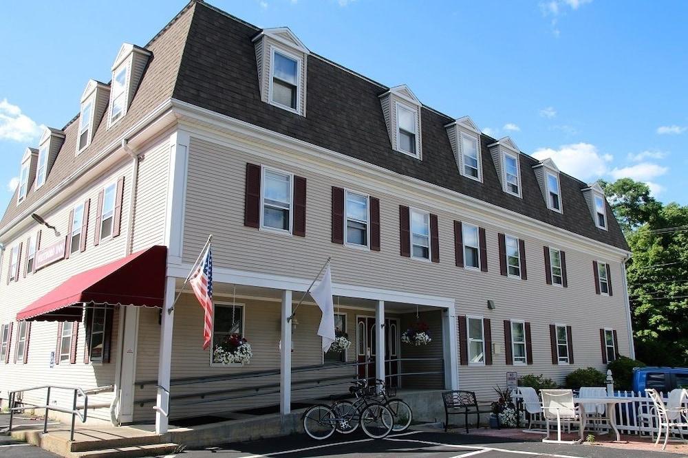 westborough inn in worcester hotel rates reviews on orbitz. Black Bedroom Furniture Sets. Home Design Ideas