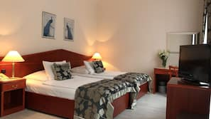 Minibar, in-room safe, desk, free cots/infant beds