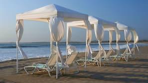 Private beach, free beach cabanas, sun loungers, beach towels