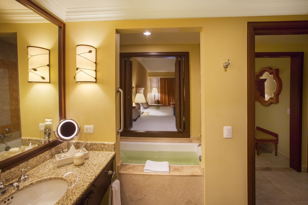 Bathroom, Pueblo Bonito Sunset Beach Golf & Spa Resort - All Inclusive