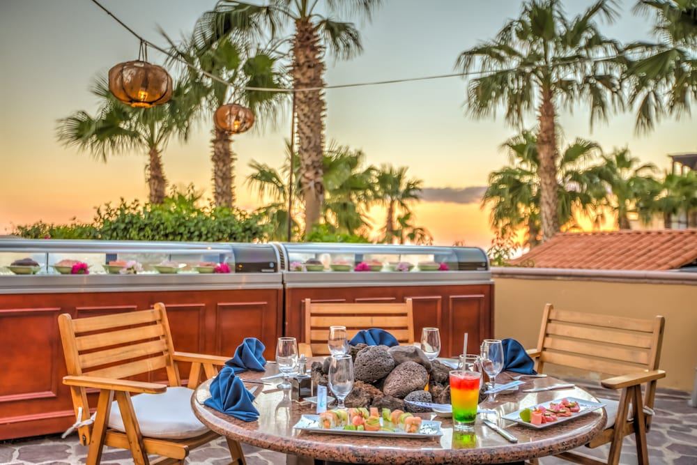 Outdoor Dining, Pueblo Bonito Sunset Beach Golf & Spa Resort - All Inclusive