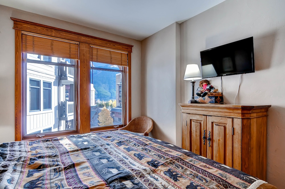 Room, Copper One at Center Village by Copper Mountain Lodging
