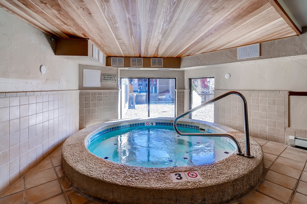 Indoor Spa Tub, Copper One at Center Village by Copper Mountain Lodging