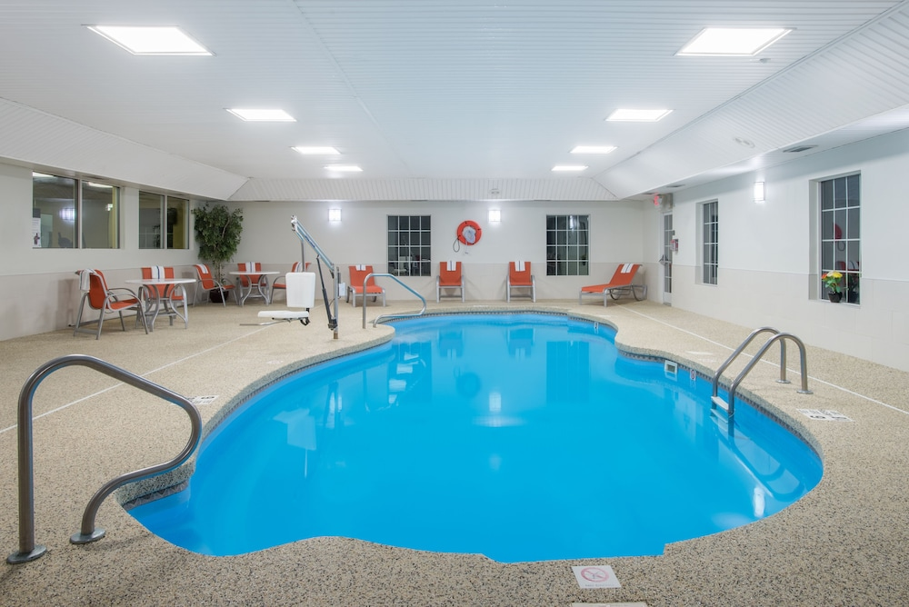 Pool, Holiday Inn Express Hotel & Suites Brattleboro, an IHG Hotel