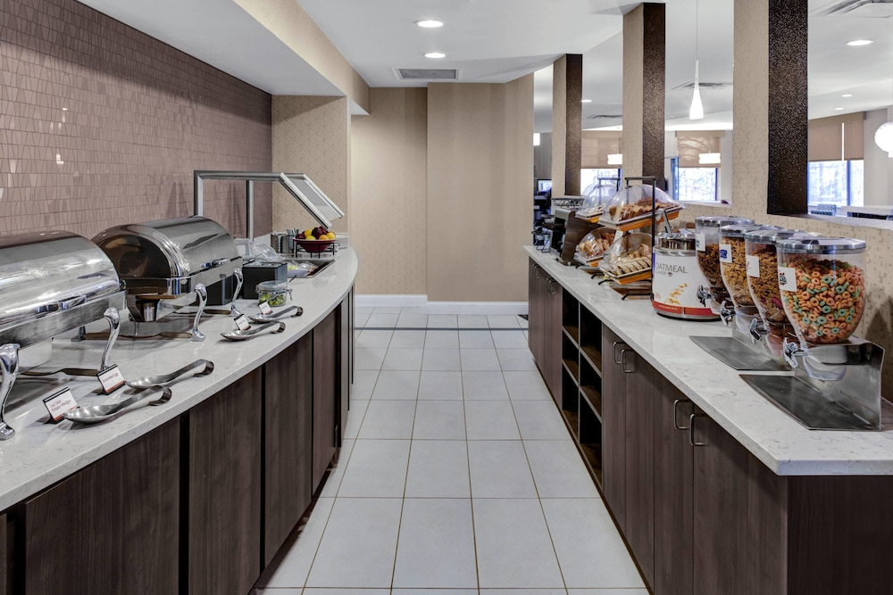 Breakfast buffet, Residence Inn by Marriott Atlanta Midtown/Peachtree at 17th