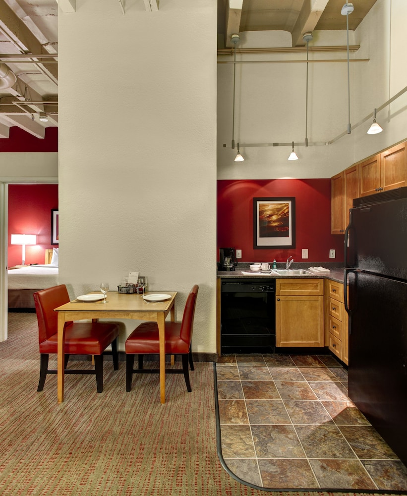 Private Kitchen, Residence Inn by Marriott Atlanta Midtown/Peachtree at 17th