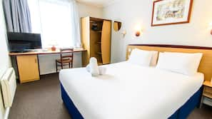 Desk, free cots/infant beds, WiFi, wheelchair access