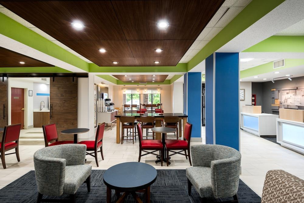 Exterior Lobby Guestroom