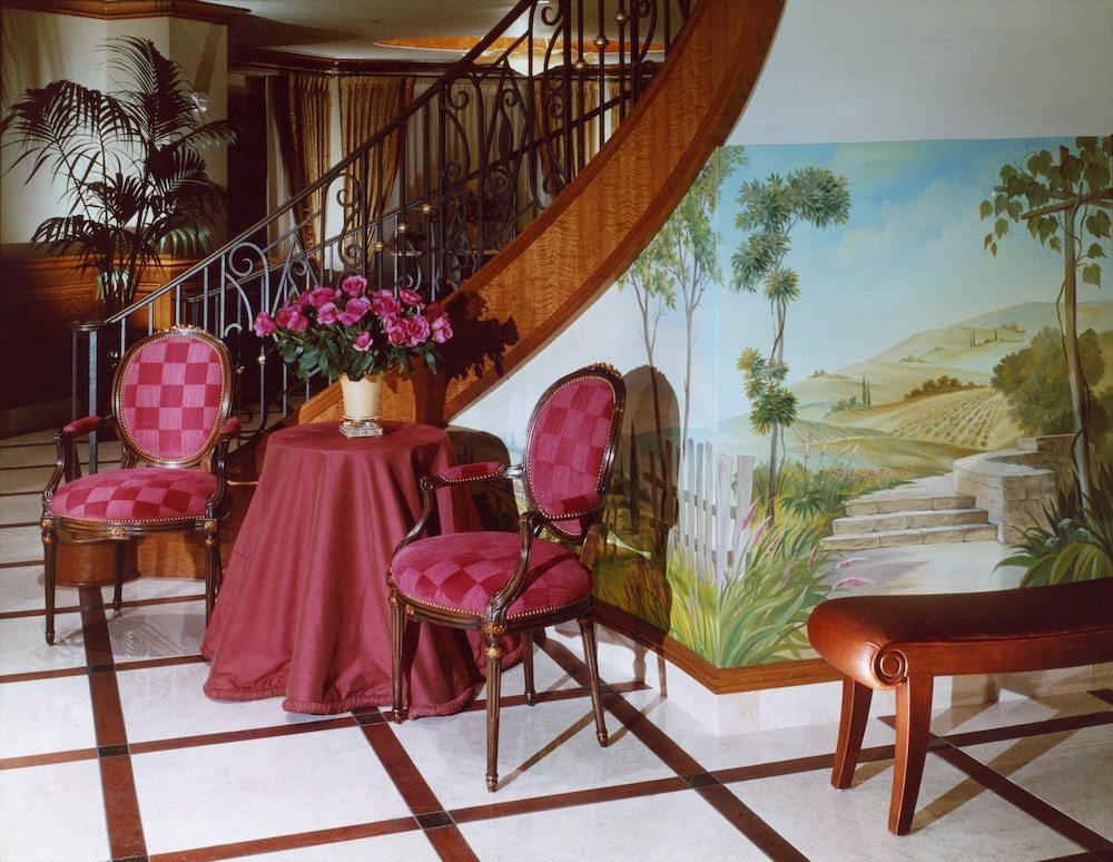 Lobby, The Rose Hotel
