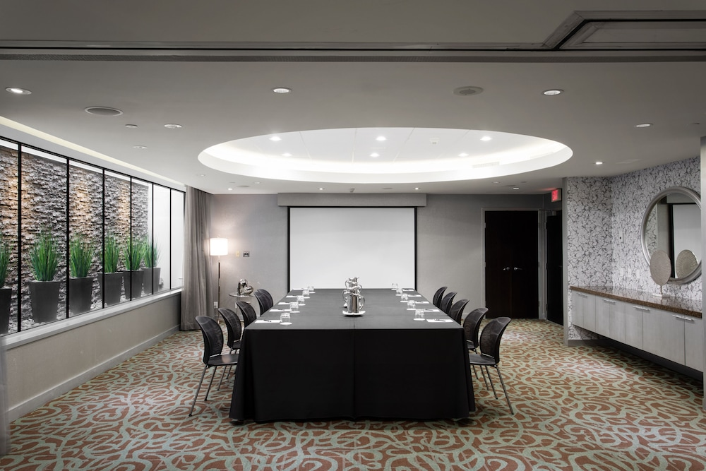 Meeting Facility, OPUS Hotel Vancouver