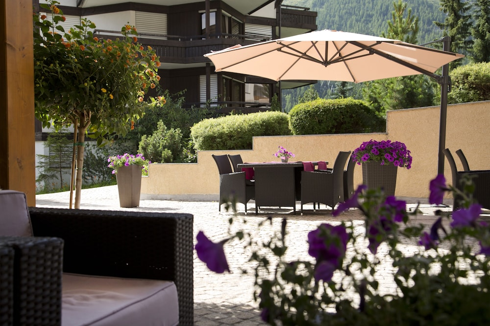 Terrace/Patio, Hotel Schweizerhof Gourmet & Spa