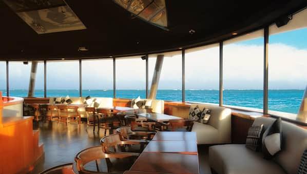 3 bars/lounges, swim-up bar