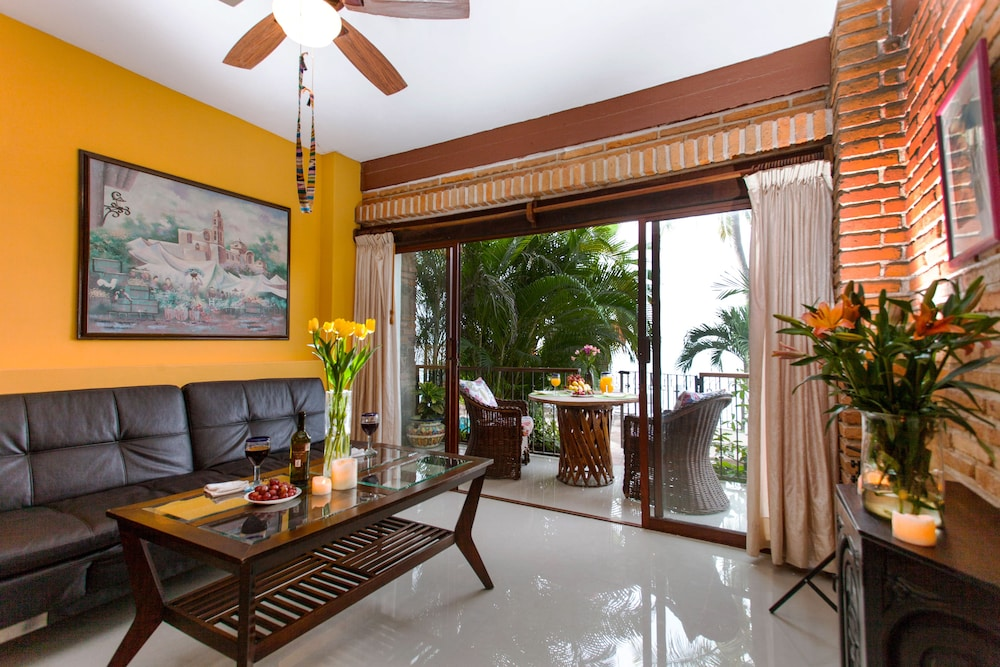 Living Area, Vallarta Shores Beach Hotel
