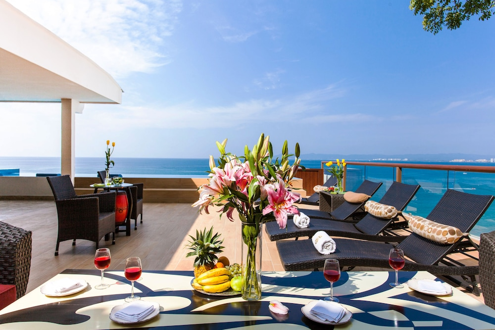 Terrace/Patio, Vallarta Shores Beach Hotel