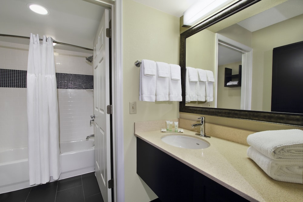 Bathroom, Staybridge Suites Tysons - McLean