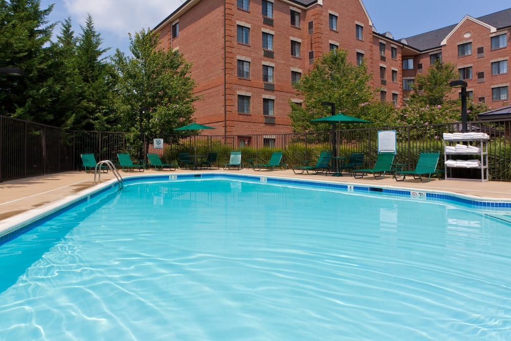 Pool, Staybridge Suites Tysons - McLean