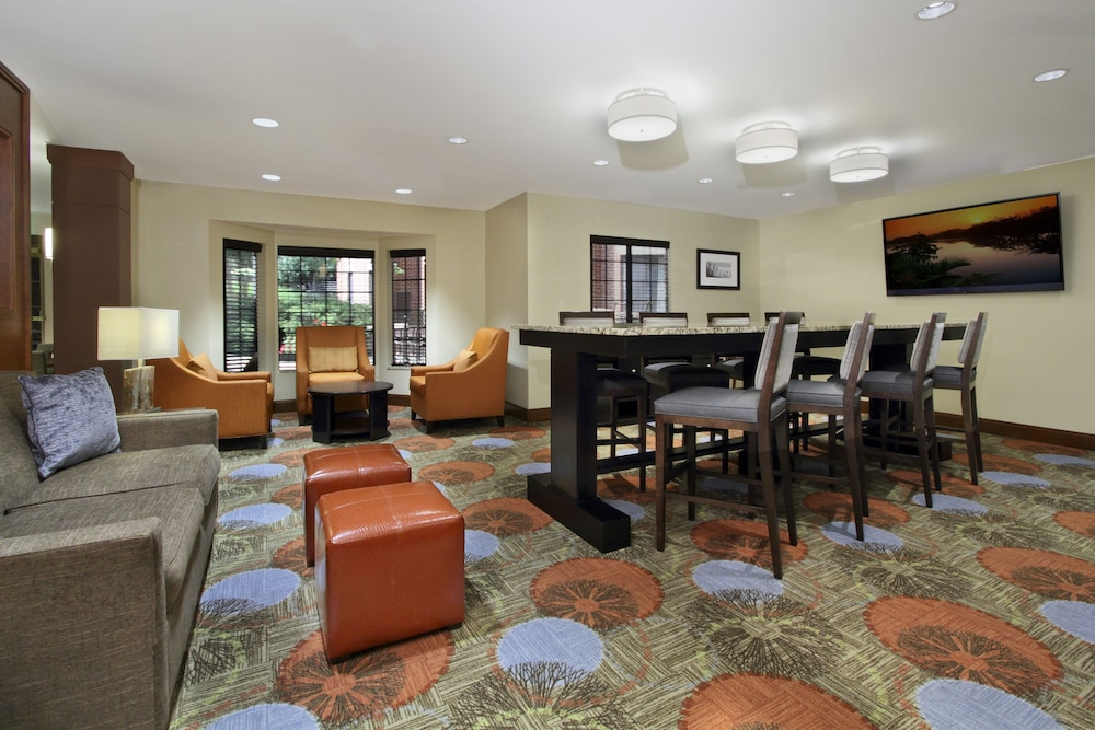 Lobby, Staybridge Suites Tysons - McLean