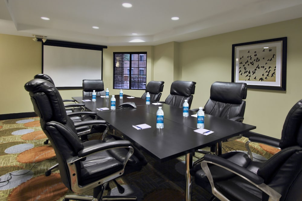 Meeting Facility, Staybridge Suites Tysons - McLean