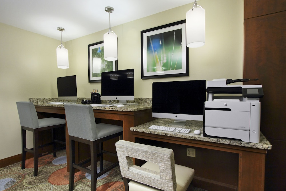 Business Center, Staybridge Suites Tysons - McLean