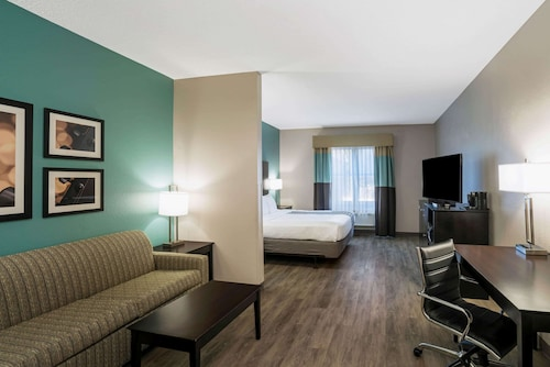 La Quinta Inn & Suites by Wyndham Lebanon