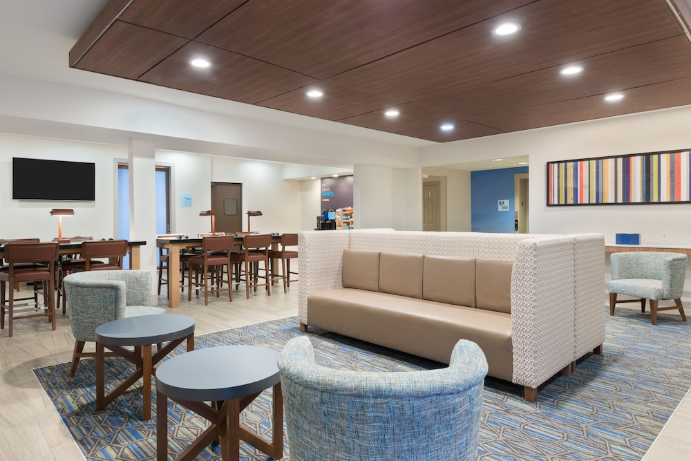 Holiday Inn Express Suites Columbus Airport East In Hotel Rates Reviews On Orbitz