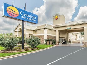 Comfort Inn & Suites Greenwood near University