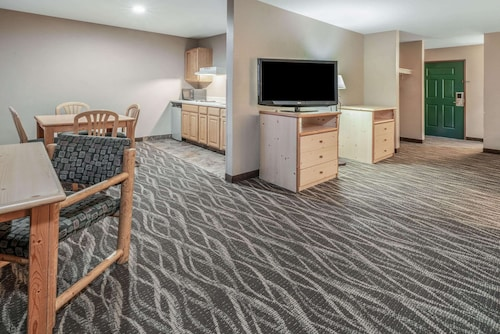 La Quinta Inn & Suites by Wyndham Belgrade - Bozeman Airport