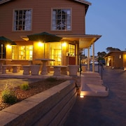 Awe Inspiring Hotels Near Pacific Grove Golf Links Find Hotels Near Home Interior And Landscaping Ponolsignezvosmurscom