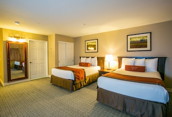 Executive Suite, 2 Double Beds - Guestroom
