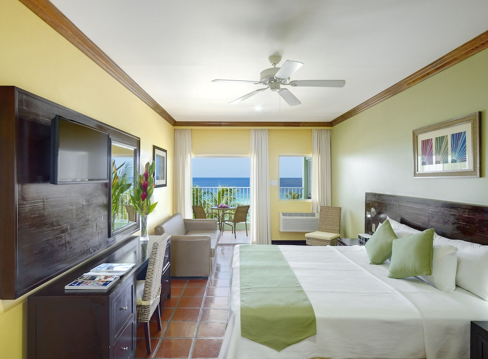 Room, Coconut Court Beach Hotel
