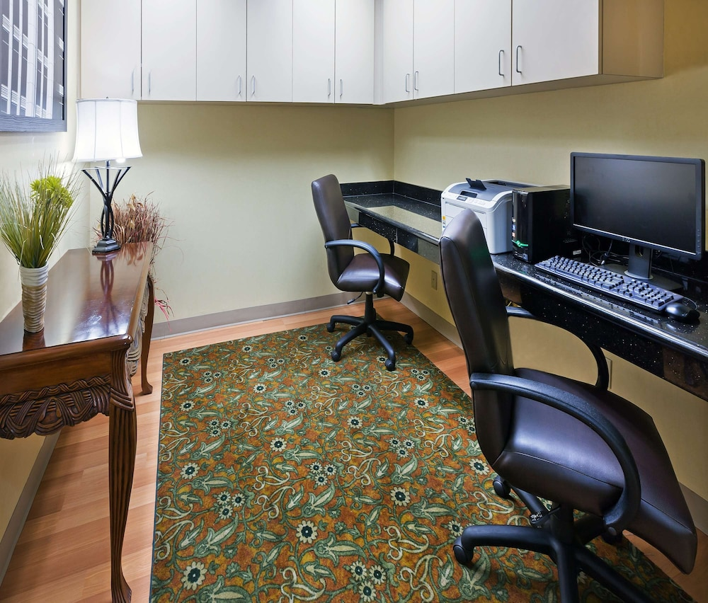Business Center, Country Inn & Suites by Radisson, Oklahoma City at Northwest Expressway, OK