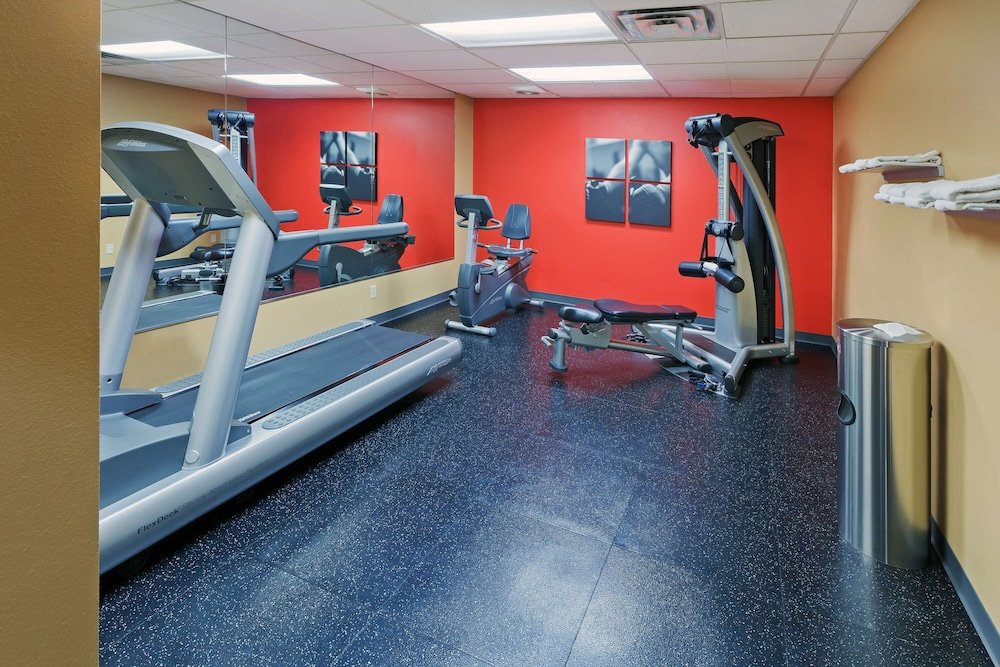 Fitness Facility, Country Inn & Suites by Radisson, Oklahoma City at Northwest Expressway, OK