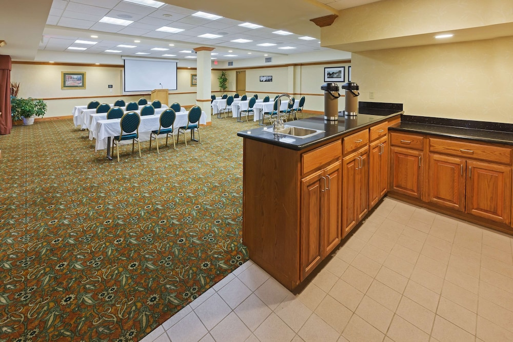 Meeting Facility, Country Inn & Suites by Radisson, Oklahoma City at Northwest Expressway, OK