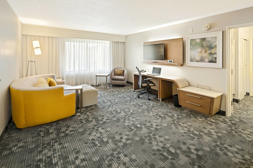 Room, Courtyard by Marriott Bryan College Station