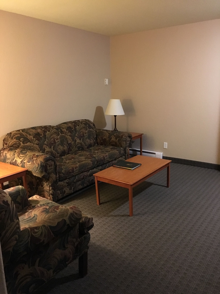 Super 8 By Wyndham Dauphin  2018 Pictures  Reviews  Prices