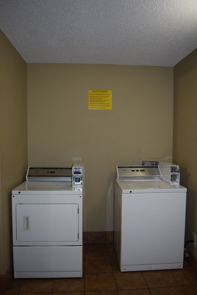 Laundry Room, Super 8 by Wyndham Homewood Birmingham Area