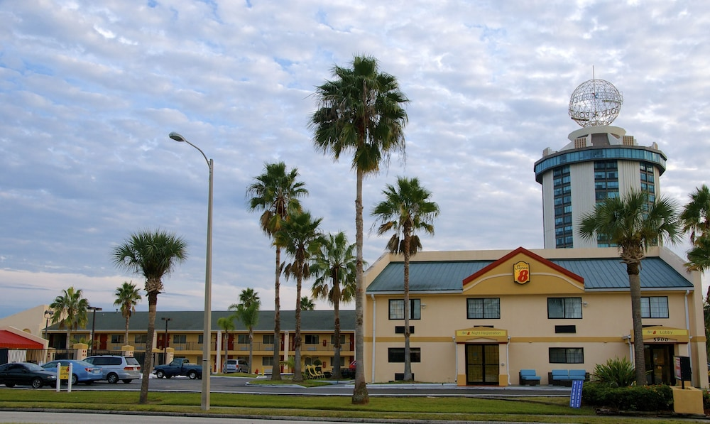 Front of Property, Super 8 by Wyndham Orlando International Drive