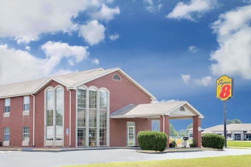 Great Place to stay Super 8 by Wyndham Nixa/Springfield Area near Nixa