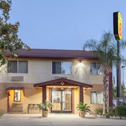 Super 8 by Wyndham Selma/Fresno Area